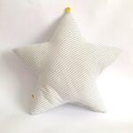 PM-almohadon-estrella-rayas-gris-2